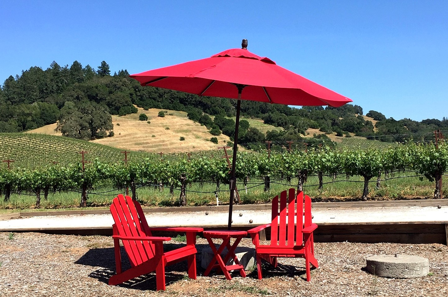 Hanna Winery tasting room outdoor seating red chairs