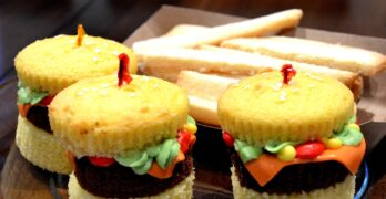 Jeannettes Cakes cheeseburger cupcakes